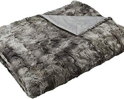 amazon basics faux fur throw blanket, 150 x 200 cm, grey Amazon Basics Faux Fur Throw Blanket, 150 x 200 cm, Grey Amazon Basics Faux Fur Throw Blanket 150 x 200 cm Grey 0 400x320