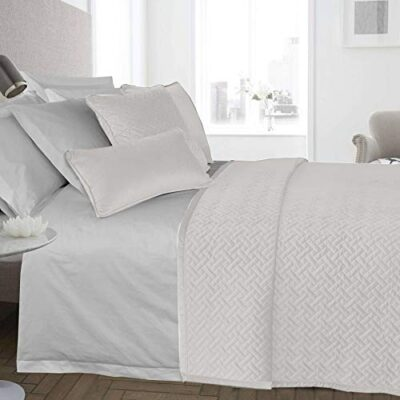 ravali luxury french velvet quilted herringbone bedspread throw over bedding quilt (white) RAVALI Luxury French Velvet Quilted Herringbone Bedspread Throw Over Bedding Quilt (White) RAVALI Luxury French Velvet Quilted Herringbone Bedspread Throw Over Bedding Quilt White 0 400x400